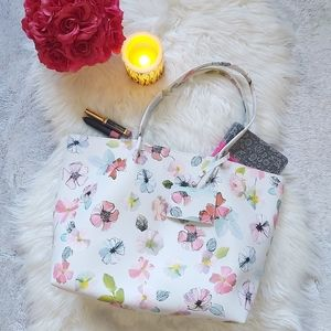 Classic Indigo Floral Spring Summer Large Tote Bag